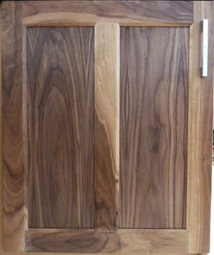 mullion-chamfered-door-in-walnut